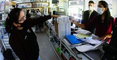Inspeccionan precios de fármacos en farmacias