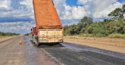 La Nación / Anuncian que la Bioceánica sumará a fin de mes 13,6 kilómetros de ruta asfaltada y señalizada