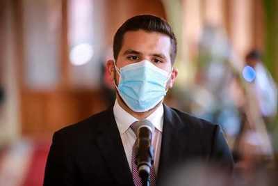 Mario Abdo promulga ley que establece uso de fondos de binacionales para el sistema de Salud