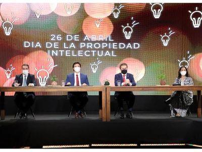 Celebran Día de la Propiedad Intelectual con un convenio entre el MIC y la Dinapi