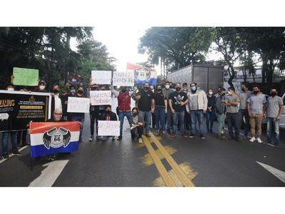 Protesta en Mburuvicha Róga