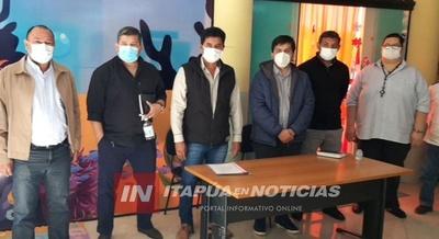 INTENDENTES ENTREGAN APORTE AL HOSPITAL DE CNEL. BOGADO