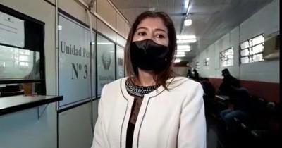La Nación / Policía fue detenido en sede fiscal por abuso de niña de 13 años