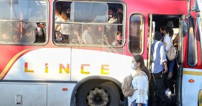 La Nación / Viceministro reconoce que imponen multas, pero transportistas no pagan