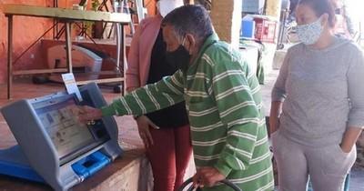 La Nación / Municipales: más de 700 electores piden votar desde la casa