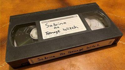 ¡Increible! Es buscada y acusada de graves delitos por no devolver una cinta de VHS alquilada hace más de 20 años