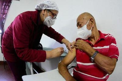 Diabéticos deben recibir vacuna contra el Covid-19, según sociedad de médicos – Prensa 5