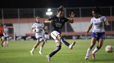 Versus / Fútbol Femenino: el campeón abre el torneo en el Defensores del Chaco