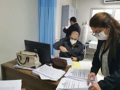 Fiscales se constituyen en hospitales para investigar posibles irregularidades en la vacunación