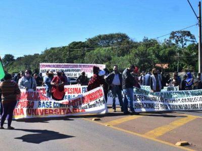 Manifestación masiva solicita que la EBY siga invirtiendo en Misiones