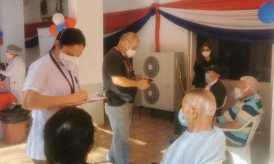 Inicia vacunación de mayores de 75 años en Alto Paraná