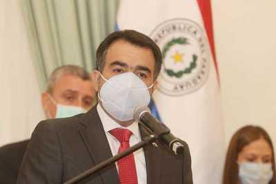 Ministro de Hacienda señala que trabajan en un nuevo paquete de medidas de asistencia que incluirá reformas