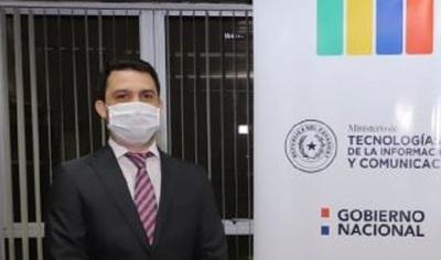 Información falsa en redes generó caos en vacunación, según ministro