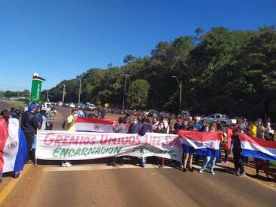 Encarnación:Trabajadores de frontera bloquean ruta Py 06 – Prensa 5