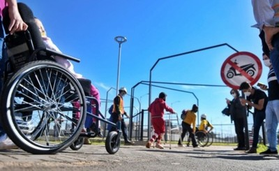 Multiviaducto: Realizan prueba del paso peatonal inclusivo