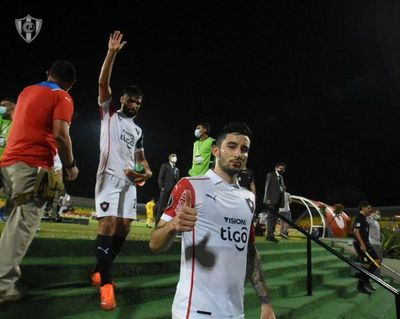 Cerro Porteño recibe a La Guaira buscando seguir arriba