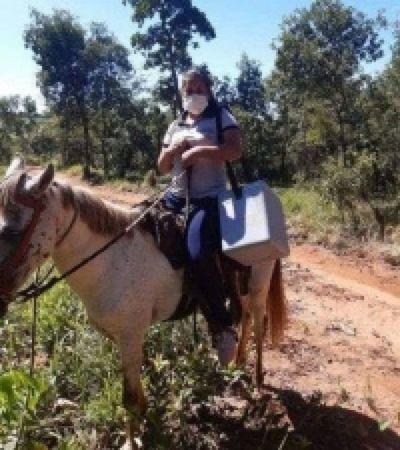 Médicos y enfermeras recorren a caballo para atender a pacientes en Capitán Bado