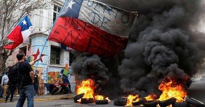 Tensión social y política en Chile a días de las elecciones para cambiar la constitución de Pinochet