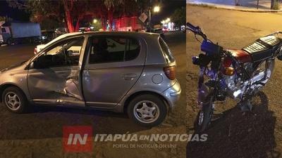 ACCIDENTE EN MARÍA AUXILIADORA DEJA MOTOCICLISTA DE 15 AÑOS LESIONADO.