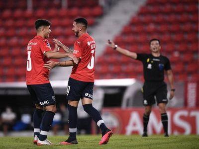 Independiente lidera con paso perfecto el Grupo B
