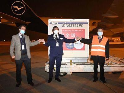 Llegaron a Uruguay las vacunas chinas donadas a Conmebol
