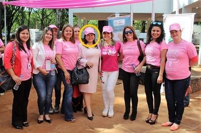 Funcionaria de Itaipú  con MILLONARIO sueldo ABANDONA su puesto de trabajo