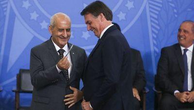 """El jefe de Gabinete de Brasil fue a vacunarse """"escondido"""""""