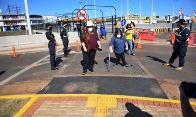Realizan prueba del paso peatonal inclusivo del Multiviaducto en el Km 7 de Ciudad del Este – Diario TNPRESS