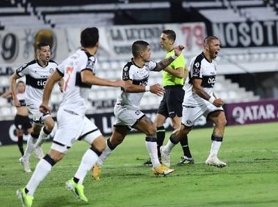 Olimpia remonta y gana su primer partido de la Libertadores