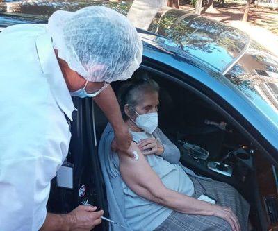129 adultos mayores no aparecieron para vacunarse