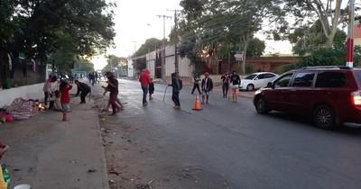 La Nación / Indígenas cierran Artigas y piden solución al problema de sus tierras