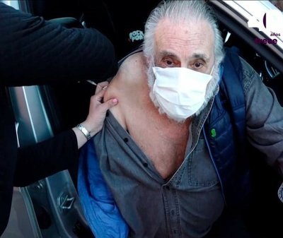 Humberto Rubín recibió vacuna anti coronavirus (video)