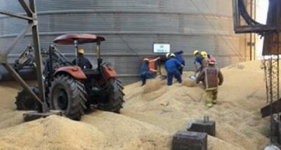 Hombre muere aplastado por granos de soja en un silo