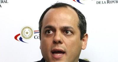 La Nación / El contralor dice que es una obligación auditar cuentas de binacionales