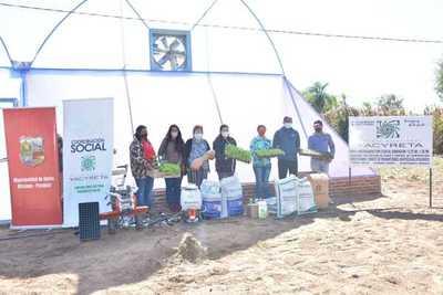 Gobierno fortalece producción hortícola en Ayolas con aporte de la EBY