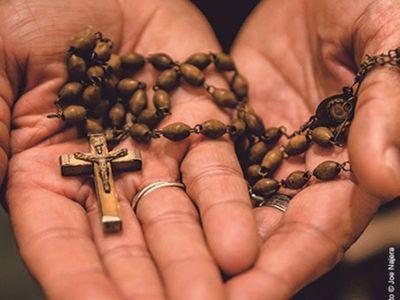 Con rosario, el Papa Francisco hará una maratón