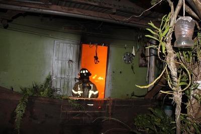 Cortocircuito provoca incendio en Ciudad del Este