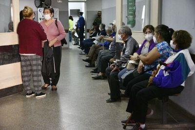 COVID-19: más de 100.000 personas ya fueron vacunadas