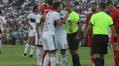 """Camacho: """"Éber Aquino es uno de los mejores árbitros del fútbol paraguayo"""""""