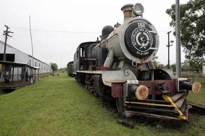 """""""No hay trenes funcionando, pero no significa que no trabajemos"""", sostuvo presidente de Ferrocarriles"""