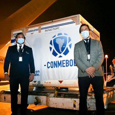 Conmebol inicia distribución de 50.000 dosis de Sinopharm a sus asociaciones miembro