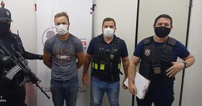La Nación / Entregan a Brasil a ciudadano buscado por homicidio de policía militar en Sarandi