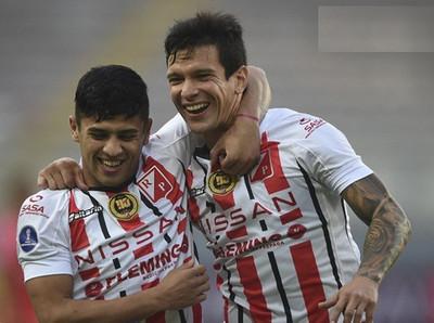 River Plate vence a Sport Huancayo 2-1 por Copa Sudamericana