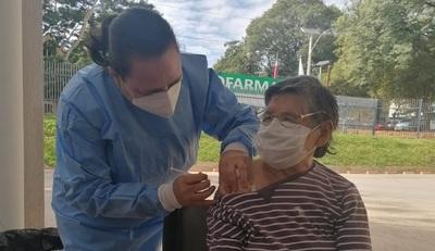 """Director del PAI: """"Queremos evitar oportunidades perdidas y vacunar a la mayor cantidad posible de personas"""""""