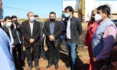 Autoridades verifican planta de oxígeno en Hernandarias