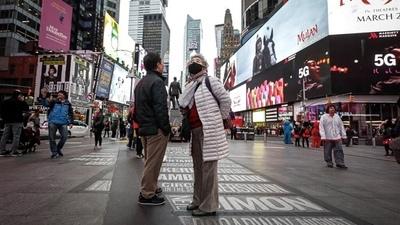 Nueva York planea reabrir en julio los negocios cerrados por la pandemia
