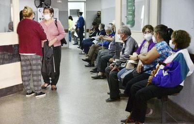 Ante problemas y quejas, Salud anuncia cambios en sistema de agendamiento de vacunación