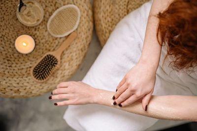 ¿Cómo prevenir la dermatitis ahora que nos lavamos las manos constantemente?