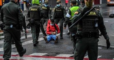 La Nación / Colombia: reforma tributaria que aprieta a la clase media aviva protestas