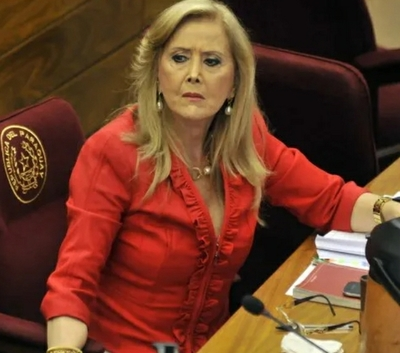 Causa indignación supuesta vacunación de senadora Gusinky – Prensa 5